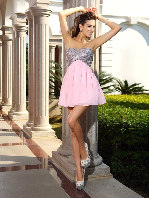 A-Line/Princess Sweetheart Sequin Sleeveless Short Chiffon Cocktail Dresses