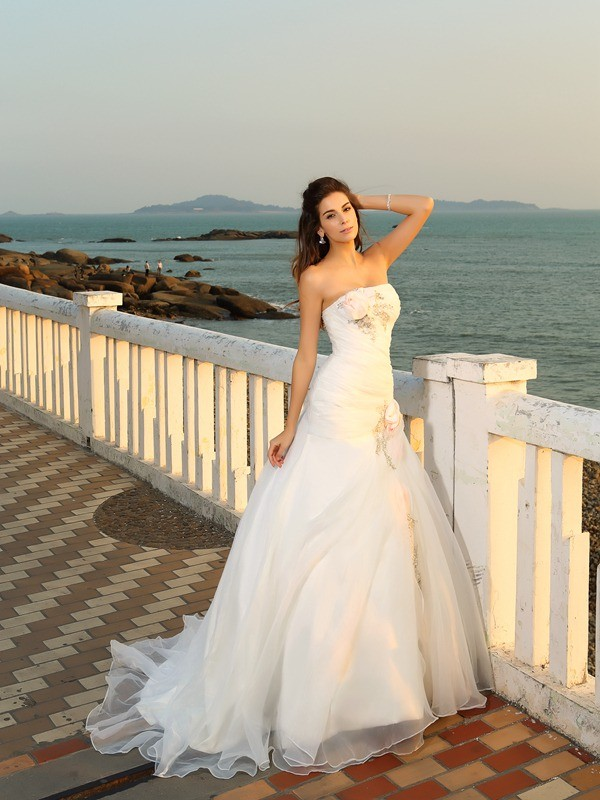 Ball Gown Strapless Hand-Made Flower Sleeveless Long Satin Beach ...