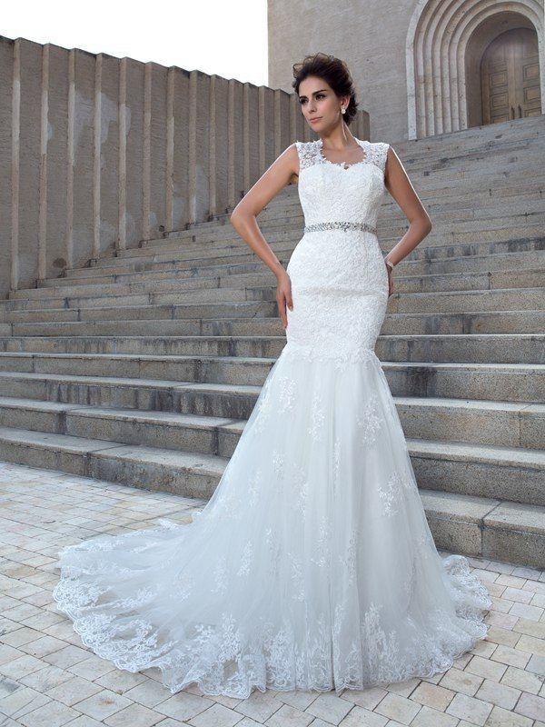 Trumpet/Mermaid V-neck Applique Sleeveless Long Lace Wedding Dresses