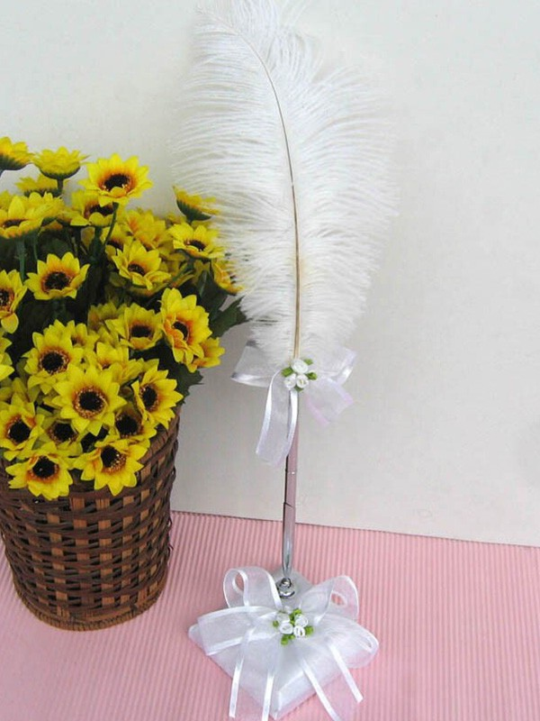 Trendy Feather With Bowknot Pen Set