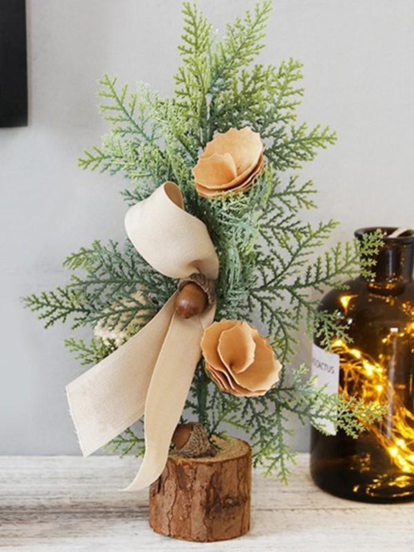 Stunning Iron With Leaf Christmas Decoration