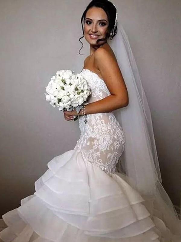 Trumpet/Mermaid Sleeveless Sweetheart Chapel Train Ruffles Applique Lace Organza Wedding Dresses