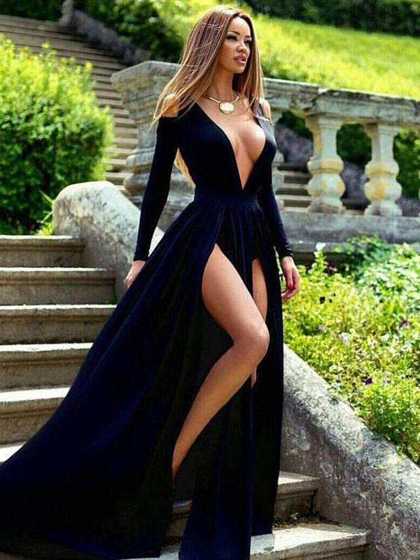 A-Line/Princess Long Sleeves V-neck Sweep/Brush Train Velvet Dresses
