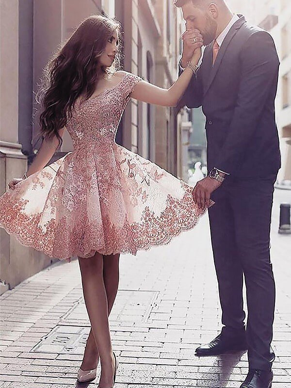 A-Line/Princess Scoop Sleeveless Applique Short/Mini Tulle Dresses