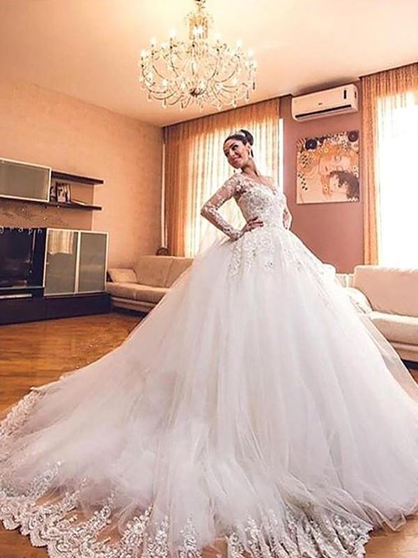Ball Gown Long Sleeves Tulle V-neck Court Train Wedding Dresses