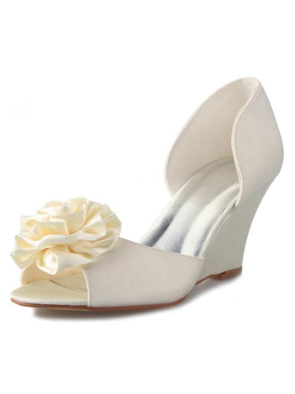 Women's Wedge Heel Satin Peep Toe With Flower White Wedding Shoes