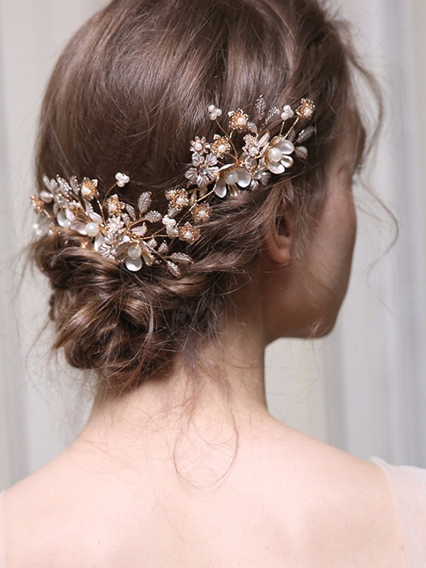 Exquisite With Rhinestone Alloy Combs&Barrettes Headpieces