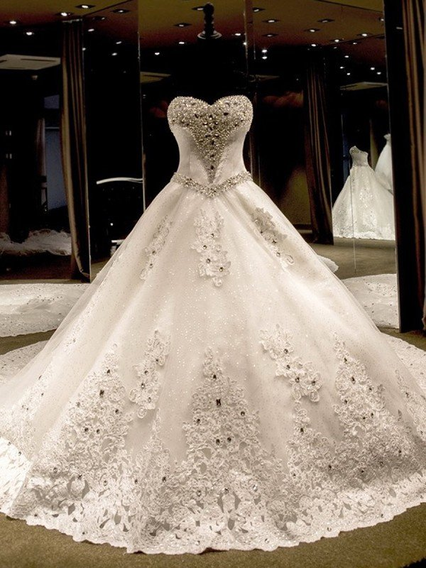 Ball Gown Sleeveless Sweetheart Cathedral Train Lique Sequin Tulle Wedding Dresses