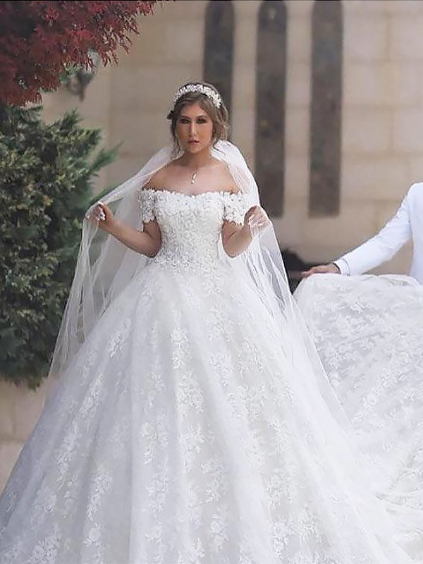 Ball Gown Off The Shoulder Lace Short Sleeves Tulle Court Train