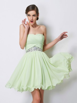 A-Line/Princess Sweetheart Sleeveless Short Beading Chiffon Homecoming Dresses
