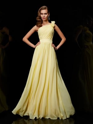 A-Line/Princess One-Shoulder Sleeveless Hand-Made Flower Long Chiffon Bridesmaid Dresses