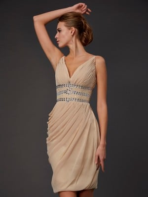 Sheath/Column V-neck Sleeveless Beading Short Chiffon Homecoming Dresses