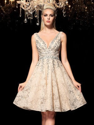 A-Line/Princess V-neck Beading Sleeveless Short Lace Cocktail Dresses