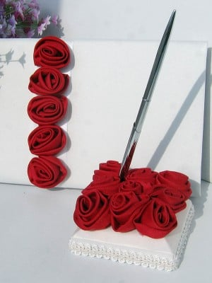 Delicate Cloth With Hand-Made Flower Guestbook & Pen Set