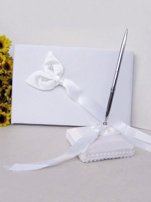 Pure Cloth With Bowknot Guestbook & Pen Set