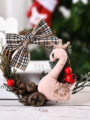 Nice Wood Swan Christmas Wreaths