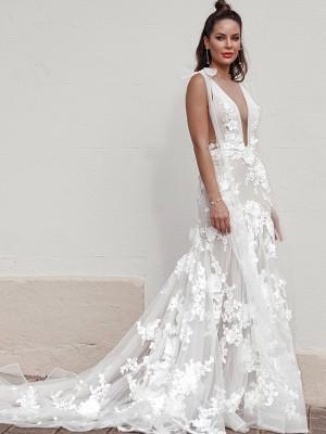 Sheath/Column Tulle Applique Sleeveless V-neck Sweep/Brush Train Wedding Dresses