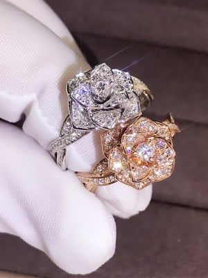 Chic Alloy With Rhinestone Hot Sale Wedding Rings
