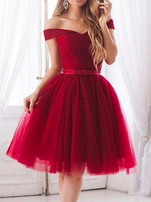 A-Line/Princess Tulle Ruffles Off-the-Shoulder Sleeveless Knee-Length Dresses