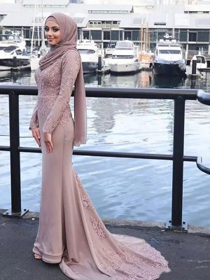 Trumpet/Mermaid Long Sleeves Scoop Sweep/Brush Train Applique Satin Muslim Dresses