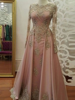 A-Line/Princess Long Sleeves Scoop Floor-Length Applique Tulle Muslim Dresses