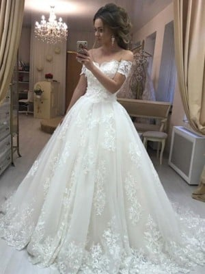 A-Line/Princess Off-the-Shoulder Sleeveless Sweep/Brush Train Applique Tulle Wedding Dresses