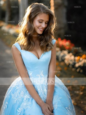 Ball Gown Tulle Applique V-neck Sleeveless Sweep/Brush Train Dresses