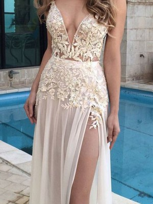 A-Line/Princess Sleeveless V-Neck Chiffon Applique Floor-Length Dresses