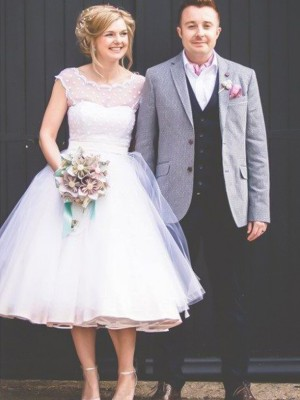 Ball Gown Jewel Sleeveless Knee-Length Ruffles Tulle Wedding Dresses