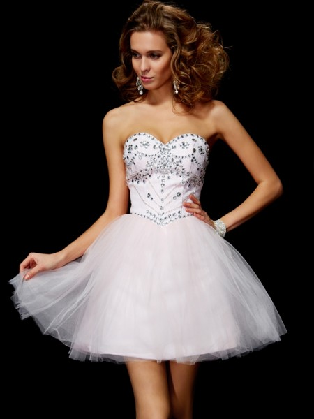 A-Line/Princess Sweetheart Sleeveless Beading Short Organza Homecoming Dresses