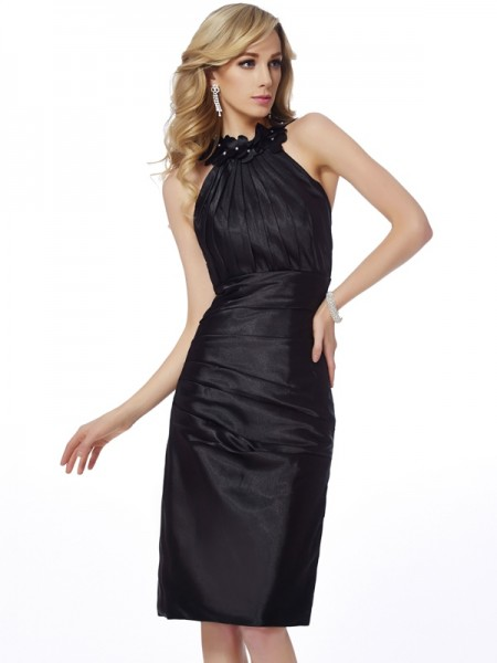 Sheath/Column Bateau Sleeveless Applique Short Elastic Woven Satin Homecoming Dresses