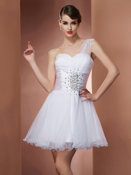 A-Line/Princess One-Shoulder Sleeveless Beading Short Net Homecoming Dresses