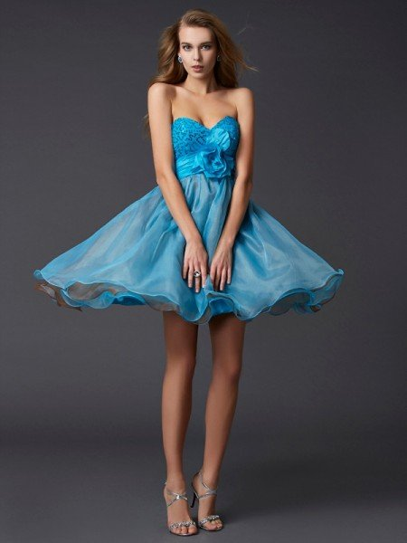 A-Line/Princess Sweetheart Sleeveless Lace Short Taffeta Homecoming Dresses