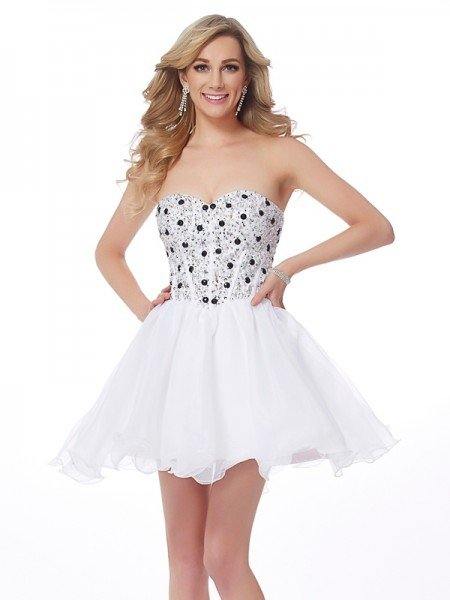 A-Line/Princess Sweetheart Sleeveless Beading Short Elastic Woven Satin Homecoming Dresses