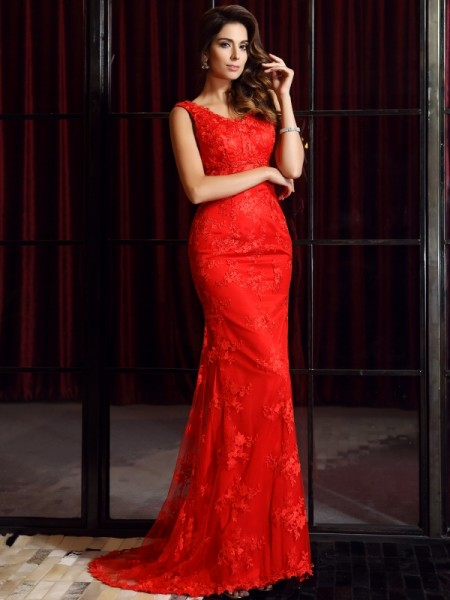 Trumpet/Mermaid V-neck Applique Sleeveless Long Lace Dresses