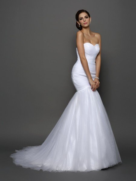 Trumpet/Mermaid Sweetheart Pleats Sleeveless Long Net Wedding Dresses