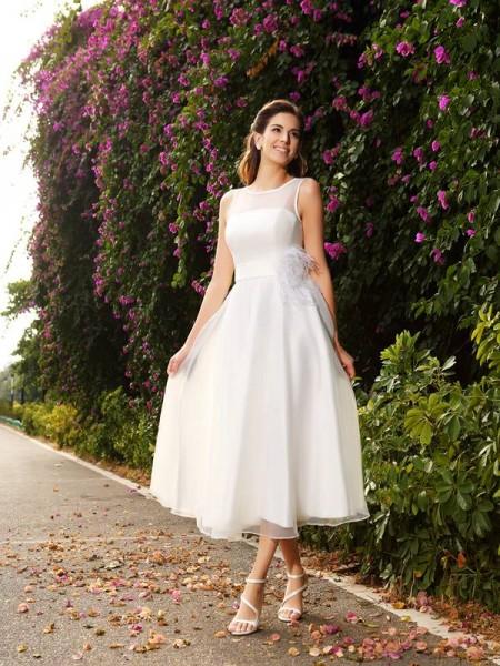 A-Line/Princess Bateau Sash/Ribbon/Belt Sleeveless Long Satin Wedding Dresses
