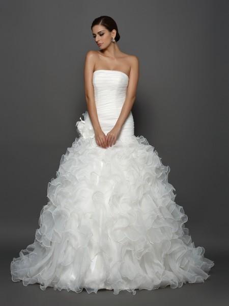 Ball Gown Strapless Hand-Made Flower Sleeveless Long Organza Wedding Dresses