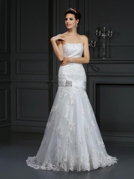 Sheath/Column Strapless Applique Sleeveless Long Satin Wedding Dresses