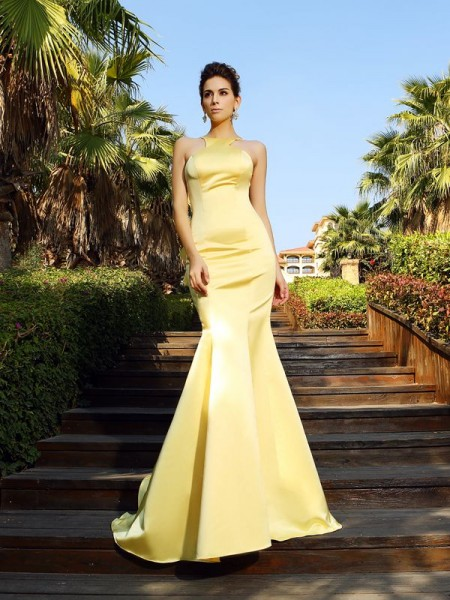 Trumpet/Mermaid Scoop Sleeveless Long Satin Dresses