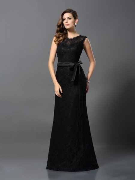 Sheath/Column Scoop Lace Sleeveless Long Satin Dresses