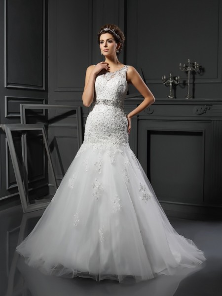 Sheath/Column Scoop Applique Sleeveless Long Net Wedding Dresses