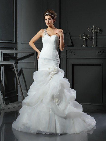 Trumpet/Mermaid Sweetheart Ruffles Sleeveless Long Satin Wedding Dresses