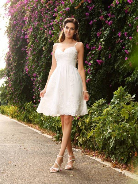 A Line Princess Spaghetti Straps Lique Sleeveless Short Lace Wedding Dresses