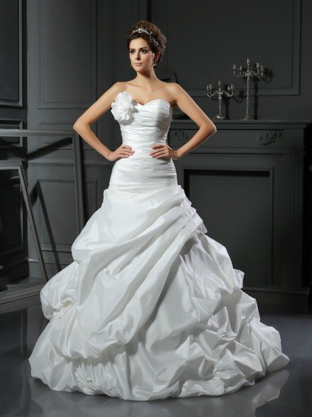 Ball Gown Sweetheart Hand-Made Flower Sleeveless Long Satin Wedding Dresses
