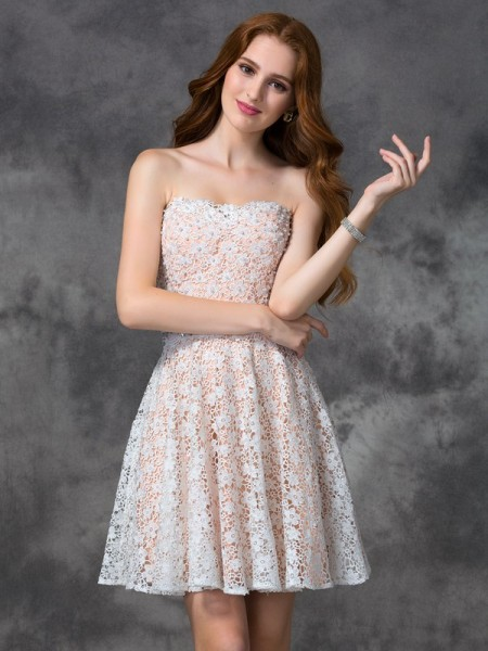 A-line/Princess Sweetheart Lace Sleeveless Short Lace Cocktail Dresses