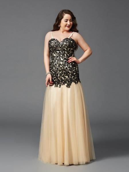 Sheath/Column Spaghetti Straps Applique Sleeveless Long Net Plus Size Dresses