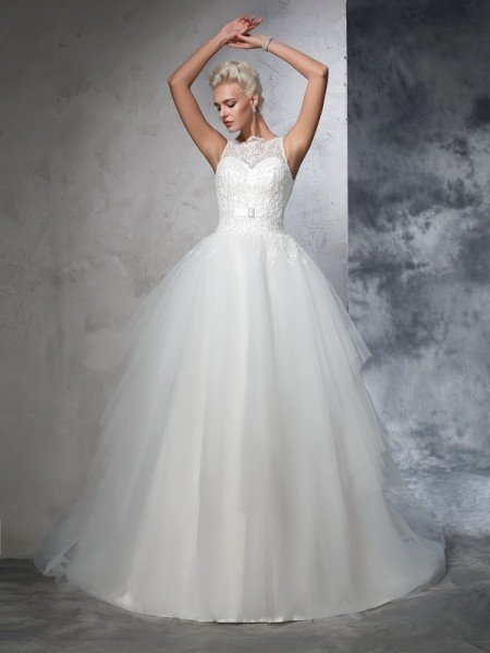 Ball Gown Bateau Applique Sleeveless Long Net Wedding Dresses