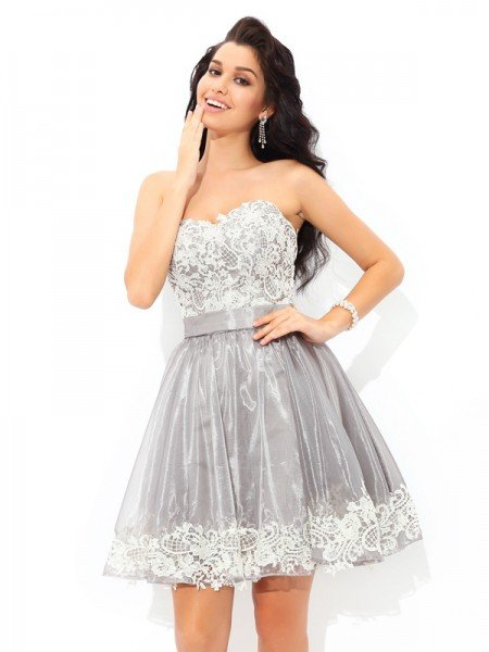 A-Line/Princess Sweetheart Lace Sleeveless Short Tulle Cocktail Dresses