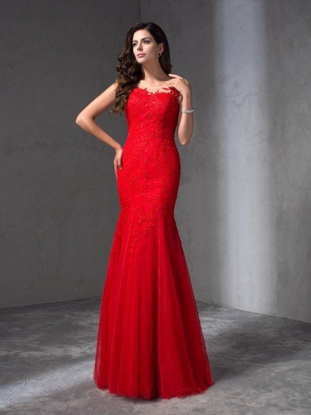 Sheath/Column Scoop Applique Sleeveless Long Lace Dresses
